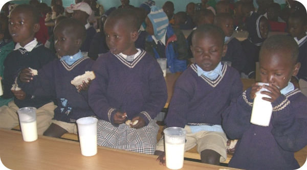 Orphanage_kids_drinking_milk